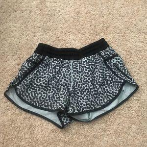 Lululemon tracker shorts